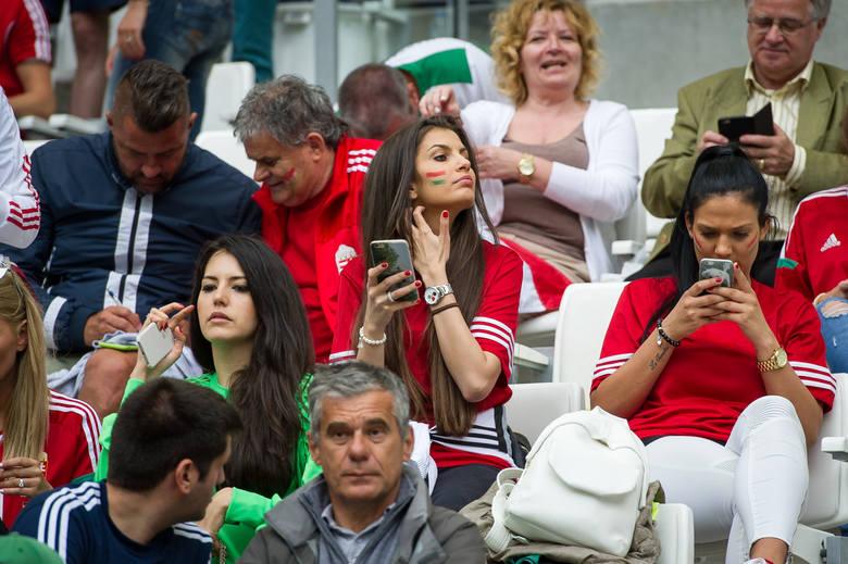 Miss Euro 2016. Fanki reprezentacji WęgierZOBACZ TEŻ:* Miss MŚ 2014: Najładniejsze kibicki mundialu w Brazylii [ZDJĘCIA]* WAGs na Euro 2016: One wspierają
