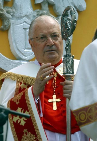 Sodano odprawi mszę żałobną w Krakowie
