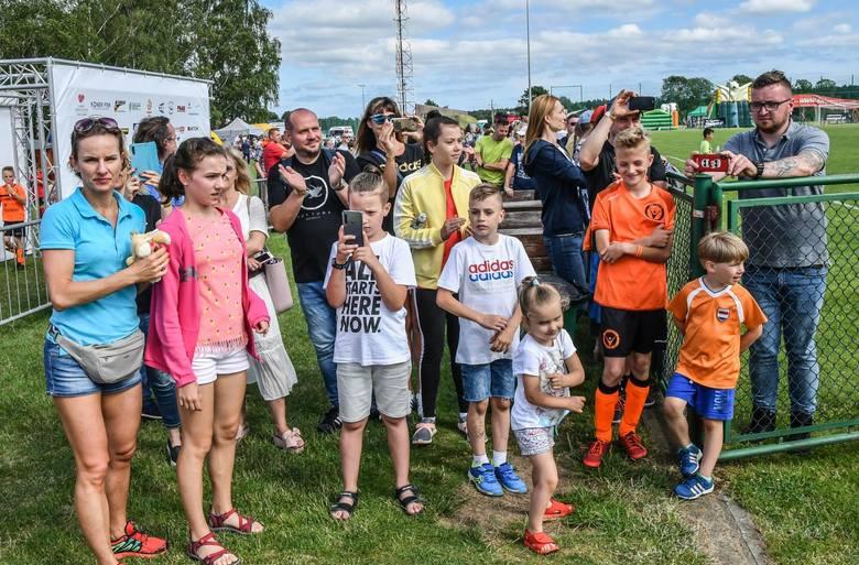 W weekend na stadionie w Żołędowie odbyły się uroczystości 10-lecia Victorii Niemcz. Przed dwa dni odbyło się 6 turniejów piłkarskich, dwa mecze derbowe