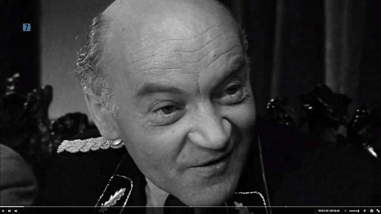 Pochodzący z rzeszowskiego Staromieścia Ignacy Machowski jako Max Dibelius
