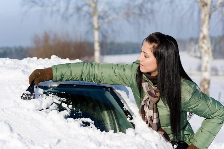 Mrozy coraz bardziej dają się we znaki kierowcom. Po niskich temperaturach i coraz większych opadach śniegu oraz deszczu ze śniegiem można wnioskować,