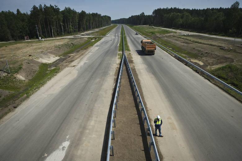 Generalna Dyrekcja Dróg Krajowych  i Autostrad: wszystkie odcinki drogi ekspresowej S6, od Goleniowa do Koszalina, zostaną oddane w czwartym kwartale