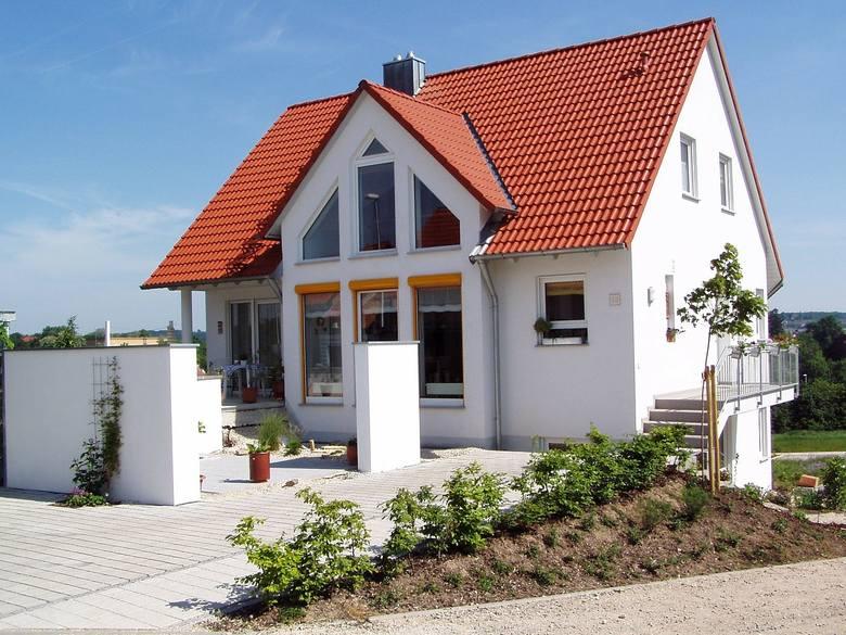 Jeśli myślisz nad zakupem domu w Grudziądzu lub okolicach - mamy coś dla Ciebie! Na portalu gratka.pl można znaleźć wiele domów na sprzedaż. Wybraliśmy