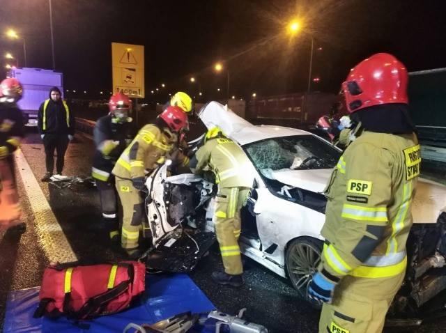 Nocny wypadek na autostradzie A1 (20.11.2020). Zginął 20-latek z powiatu wejherowskiego, dwie osoby zostały ranne