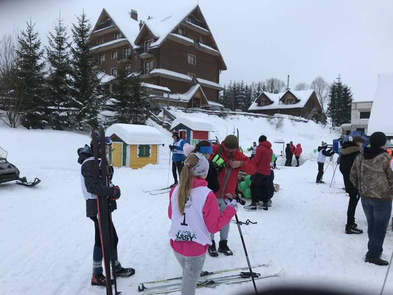 Prawie stu narciarzy wystartowało w niedzielę, 27 stycznia, w V Narciarskim Biegu Tropem Wilka w Bieszczadach. Zawody, w kategoriach juniorów, leśników