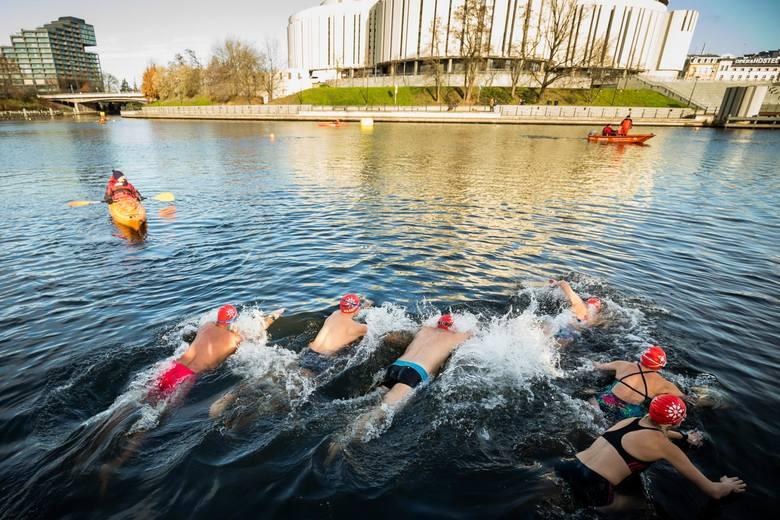 W sobotę 30 listopada, w Bydgoszczy odbyła się druga edycja imprezy Ice Swimming Bydgoszcz Festival. Pierwsze zwody w pływaniu w zimnej Brdzie zorganizowano