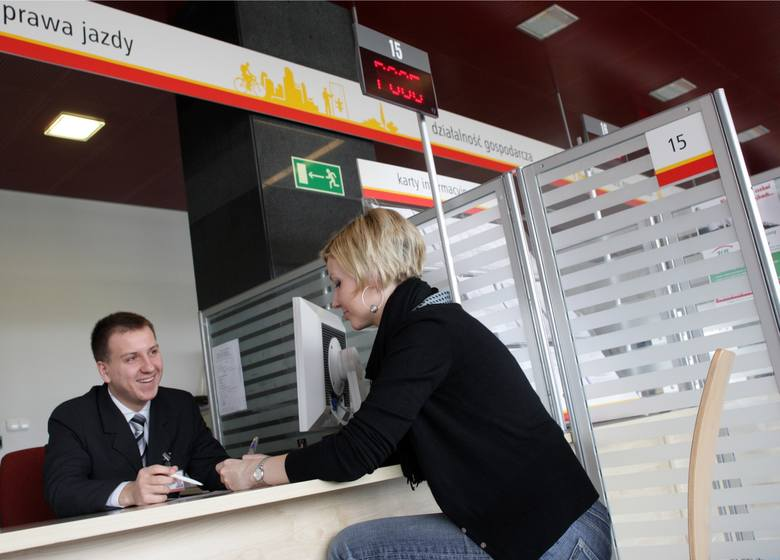 Już w czerwcu br. Marek Zagórski, minister cyfryzacji, przyznał, że e-prawo jazdy - jako rozwiązanie na smartfony - jest już gotowe.
