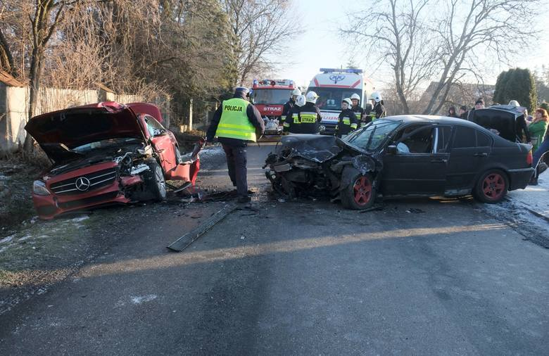 Do wypadku doszło w piątek przed godz. 8 w Ciemięrzowicach (gm. Orły) niedaleko Przemyśla.- Kierująca BMW, 37-letnia mieszkanka pow. przemyskiego na