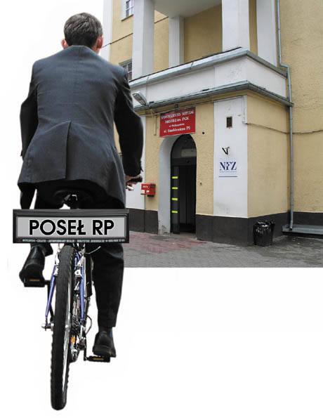 Czy za kilka lat posłowie będą jeździć rowerami i korzystać z publicznej służby zdrowia? Na razie to niemożliwe, choć presja wyborców już robi swoje