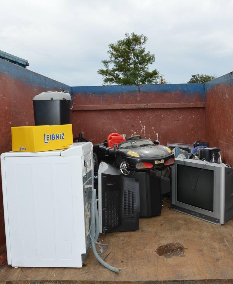 Skawina. Przywrócono funkcjonowanie Punktu Selektywnej Zbiórki Odpadów Komunalnych. Wjazd tylko dla jednej osoby