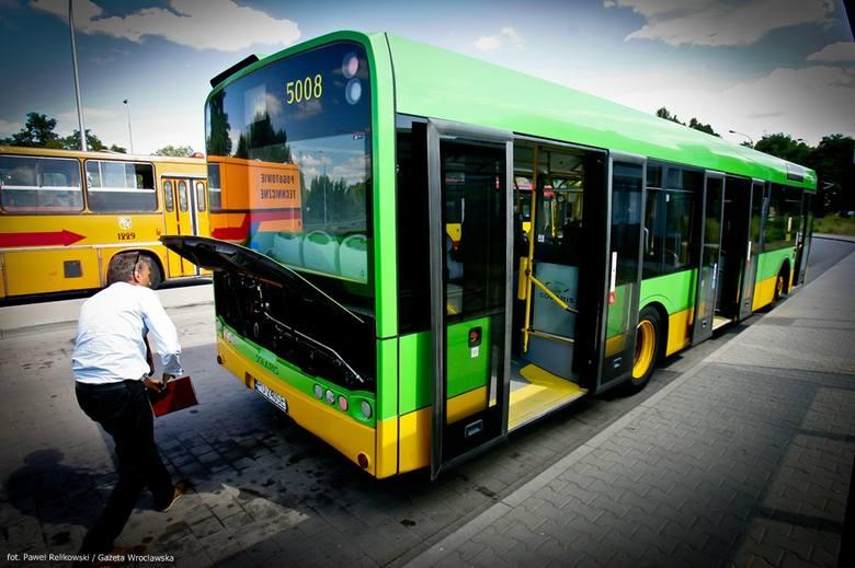 Wrocław: Od soboty na linii 144 jeździ nowy Solaris (ZDJĘCIA)