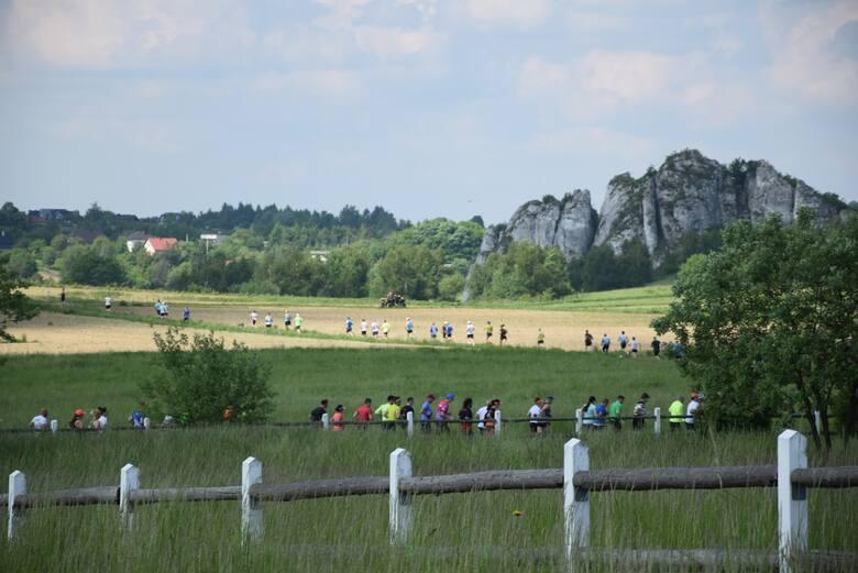 Bieg z Gwizdkiem po Zdrowie. Zawodnicy mieli okazję zobaczyć piękne krajobrazy gminy Jerzmanowice-Przeginia