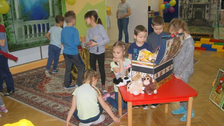 Dzieci nocowały w Przedszkolu nr 4 [ZDJĘCIA, FILM]