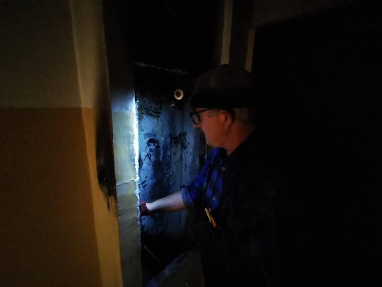 W nocy ze środy na czwartek, w wieżowcu przy ulicy Ślaskiego w Toruniu zapaliła się instalacja elektryczna. Zmagania z ogniem i dymem trwały półtorej