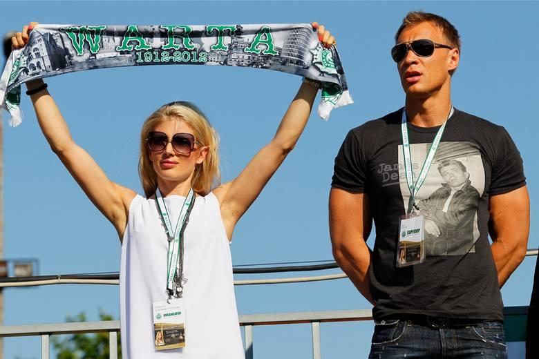 Jakub Pyżalski, który w przeszłości był związany z Wartą Poznań, ma zapłacić łącznie 140 tys. zł na rzecz piłkarza Petera Borovcanina, jego żony oraz