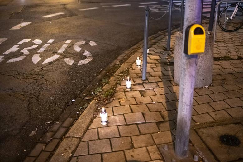 W niedzielę mieszkańcy Łazarza zebrali się na skrzyżowaniu ul. Głogowskiej i Berwińskiego, przy Parku Wilsona, gdzie w sobotę, 7 grudnia, doszło do tragicznego