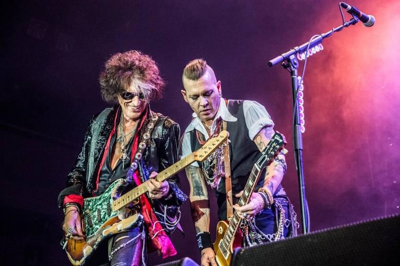 Johnny Depp w świetnej formie z zespołem Hollywood Vampires dał koncert w Warszawie w 2018 roku.