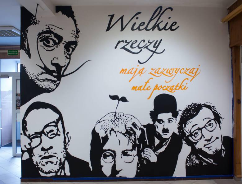 The Beatles Polska: John Lennon trafił na mural w słupskiej szkole