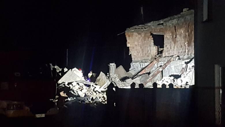 W Koszalinie przy ul. Gnieźnieńskiej zawalił się opuszczony budynek. Na miejscu są strażacy. - Otrzymaliśmy zgłoszenie, że doszło do zawalenia się budynku
