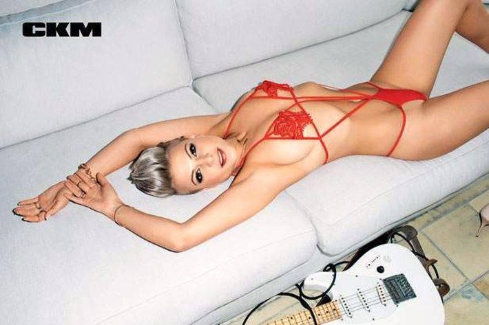 Magda Narożna na Instagramie chwali się swoim ciałem. Pokazała zdjęcie z basenu. Internauci zachwyceni [FOTO]
