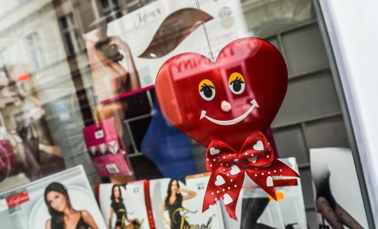 Walentynki 2018 Witryny Sklepów W Bydgoszczy Krzyczą O Miłości