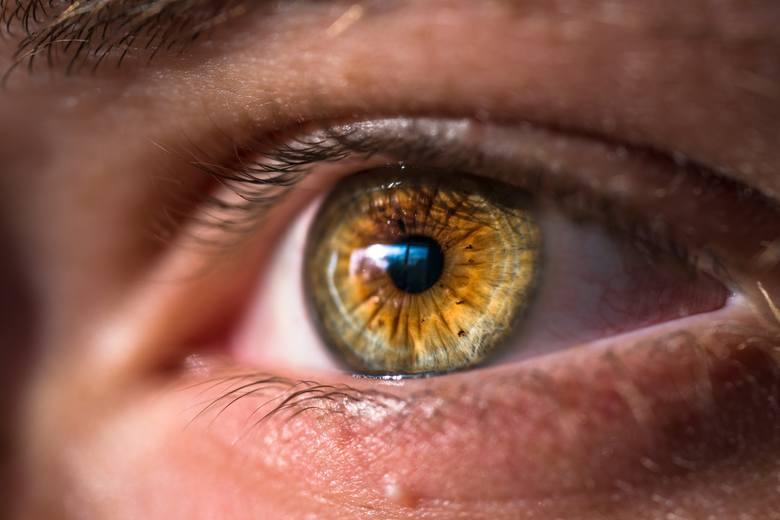 """""""Kontakty"""" to większy komfort widzenia niż okulary. Nadają się też dla szerszego grona osób niż się powszechnie uważa. Jeśli je nosisz lub masz takie"""