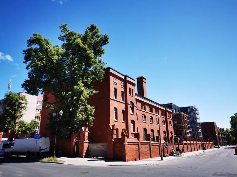 Grand Bulvar czyli apartamentowiec w zabytkowej pralni u zbiegu Woli Zamkowej i ul. św. Jakuba, jest już prawie gotowy. Klienci zarezerwowali większość