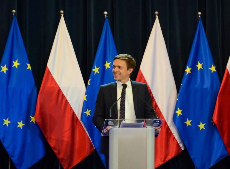 Łódź przez weekend będzie politycznym centrum Polski, bo medialny  przekaz będzie walczyć tu zarówno opozycja jak i PiS. Kampania w regionie na miesiąc