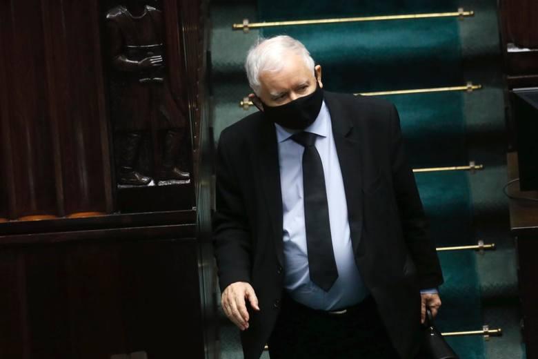 Gdyby w tym tygodniu odbyły się wybory prawdopodobnie Prawo i Sprawiedliwość musiałoby przejść do opozycji - mówi dr Maciej Onasz z Katedry Systemów