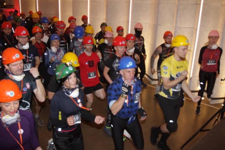 W chodnikach zabytkowej kopalni Guido odbył się wyjątkowy bieg 320 metrów pod ziemią