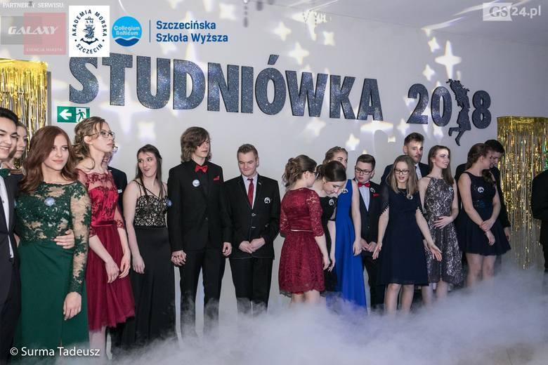 Tak w sobotę bawili się na studniówce uczniowie I LO w Stargardzie.Studniówki w Szczecinie, Stargardzie i Świnoujściu. Zobacz wiećej zdjęć! Zobacz także: