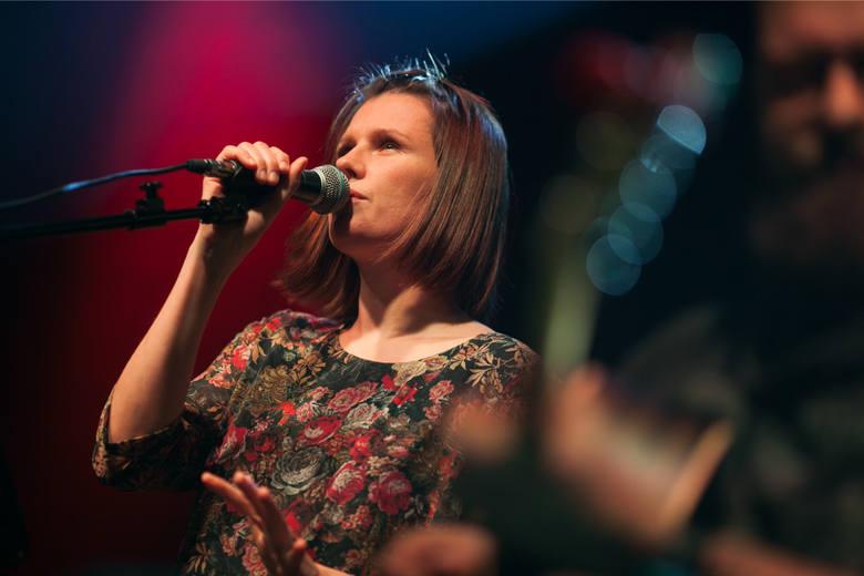 Natalia Grosiak, liderka Mikromusic uważa, że rozpoznawalny zespół ma szansę na to, by jego utwory przetrwały dłużej...