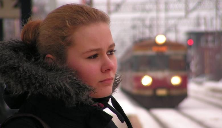 - Czasami zastanawiam się, czy nie pojechać autobusem – mówi Ania, która pociągiem dojeżdża na studia