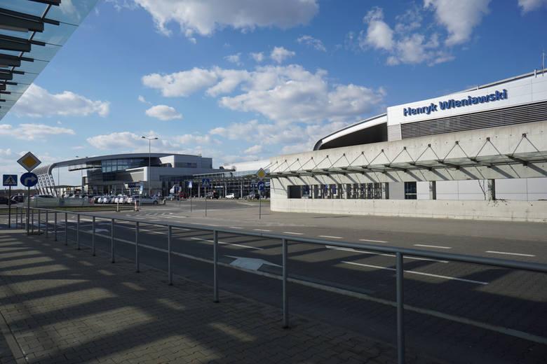 W ciągu najbliższych lat lotnisko Poznań Ławica przestanie się rozwijać? To jest możliwe. Wszystko przez przepisy, które określają maksymalną liczbę przylotów i odlotów, które mogą mieć miejsce na Ławicy.<br /> <br />