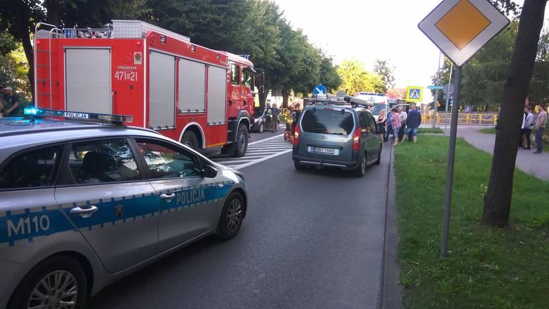 Siemiatycze. Wypadek zablokował DK19. Potrącenie na przejściu przez ulicę 11 Listopada