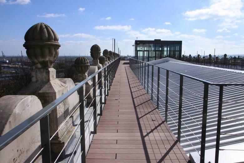Przepiękny taras widokowy na dachu Zamku Książąt Pomorskich jest już gotowy. Szczecinianie będą mogli go podziwiać podczas Europejskiej Nocy Muzeów 21