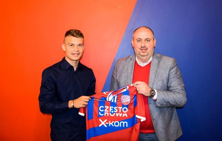 Kamil Piątkowski związał się czteroletnią umową z Rakowem Częstochowa