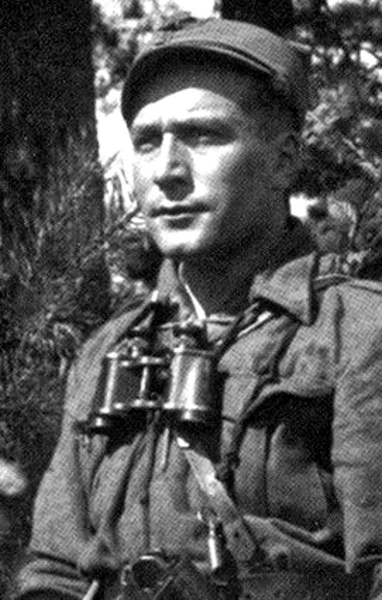 Dowództwo 5. Brygady Wileńskiej AK w marszu. Na czele mjr Zygmunt Szendzielarz ps. Łupaszka