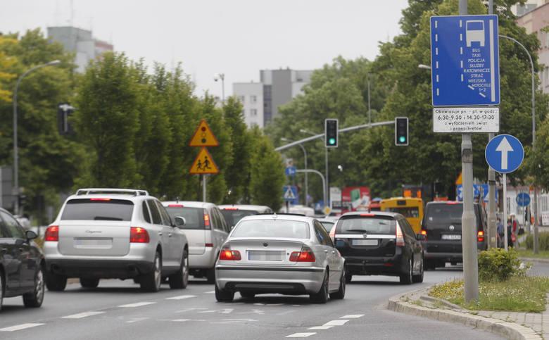 Buspasami w godzinach szczytu tak jeżdżą kierowcy w Rzeszowie.