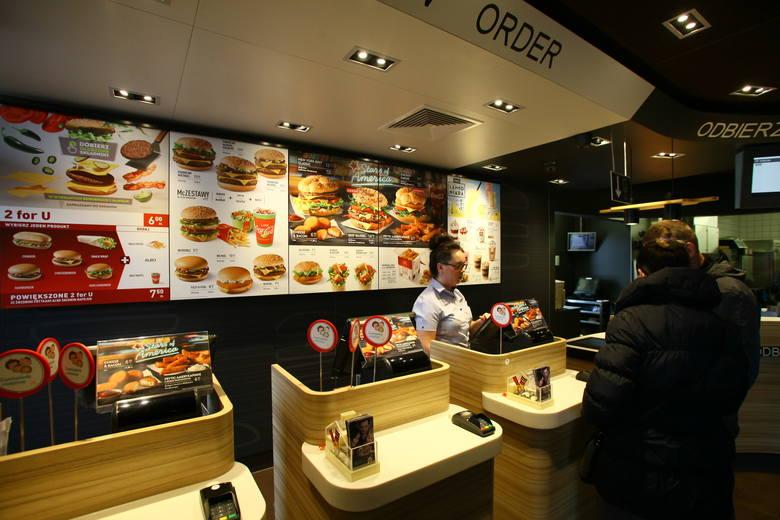Wraz z rosnącymi wynagrodzeniami rosną wysokości opłacanych w restauracjach rachunków co powoduje, że także przyszłe perspektywy co do przychodów są