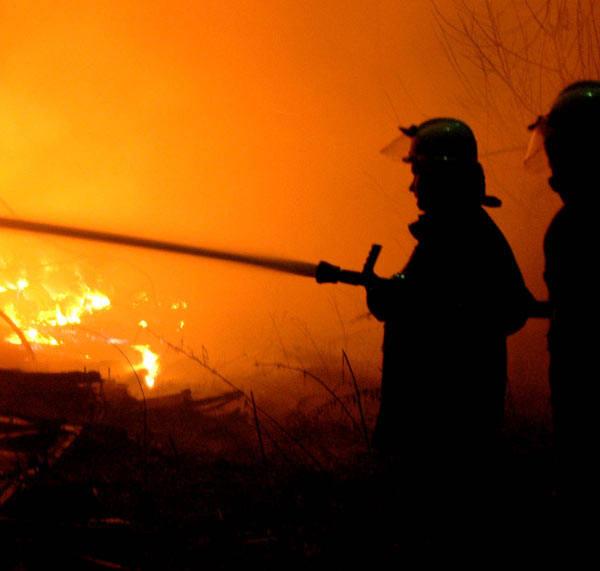 Policjanci sprawdzają, czy doszło do podpalenia stogu siana w Tywoni
