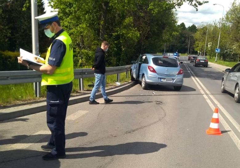 Wypadek na wiadukcie na Nowym Dworze. Jedna osoba ranna, ulica zablokowana (ZDJĘCIA)