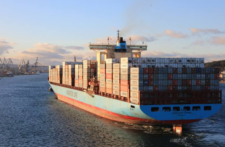 Do Portu Gdynia wpłynął olbrzymi kontenerowiec 12.02.2019. Charlotte Maersk to największy statek towarowy w historii portu [zdjęcia, wideo]