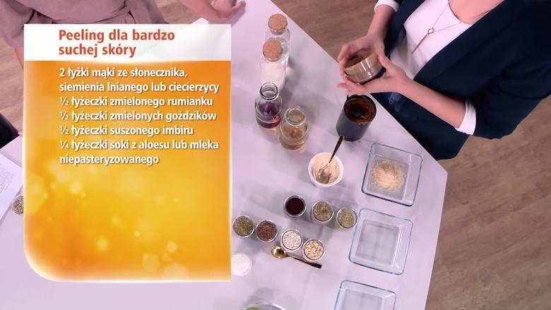 DOMOWY PEELINGJak zrobić domowy peeling do  skóry suchej?2 łyżki mąki ze słonecznika, siemienia lnianego lub ciecierzycy1/2 łyżeczki zmielonego rumianku1/2