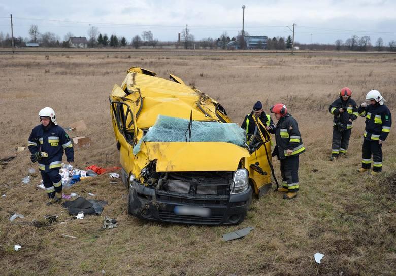 Do wypadku doszło w czwartek na drodze krajowej nr 28 pomiędzy miejscowościami Hurko a Medyka w powiecie przemyskim. - Przyczyną zdarzenia był silny