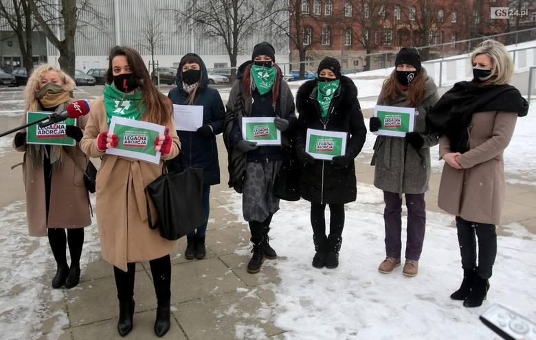 Lewica chce projektu obywatelskiego, z kolei PSL - referendum ws. aborcji