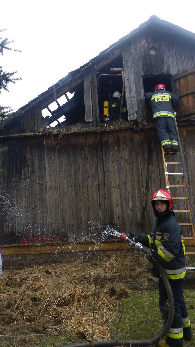 Pożar w Skarżysku Kościelnym. Dom stanął płomieniach