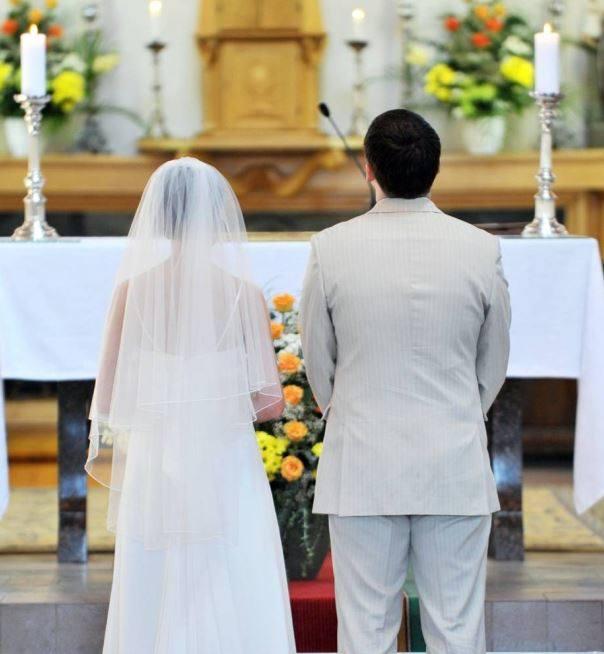 Od momentu wprowadzenia nowych przepisów (marca 2015 roku) pabianickie pary coraz częściej decydują się na uroczystość poza urzędem stanu cywilnego i
