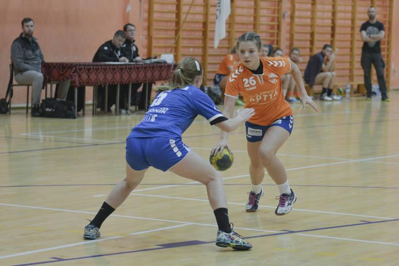 W drugim meczu w II lidze, Słupia Słupsk przed własną publicznością uległa MKS Brodnica 13:31. Do przerwy zawodniczki z Brodnicy prowadziły 16:3.