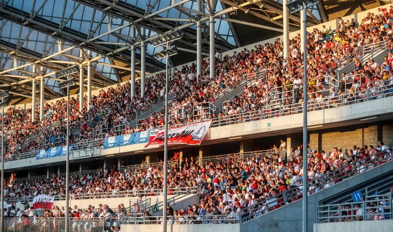 W sierpniu 2017 mecz Polski i Szwajcarii U20 w Rzeszowie oglądało prawie 12 tys. kibiców.